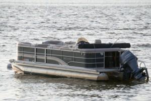 Boat-Rental-Destin-sylvan-floating