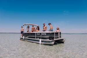 Power-Up-Watersports-Boat-Rental-1