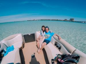 Power-Up-Watersports-Boat-Rental-19