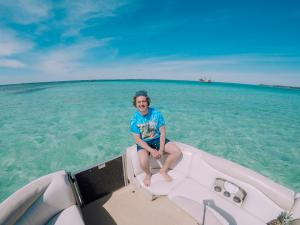 Power-Up-Watersports-Boat-Rental-21