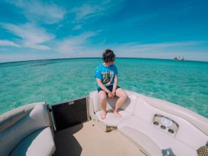 Power-Up-Watersports-Boat-Rental-22