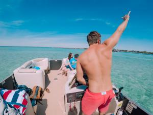 Power-Up-Watersports-Boat-Rental-23