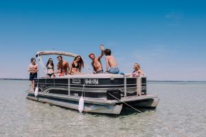 Power-Up-Watersports-Boat-Rental-3