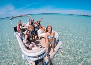 Power-Up-Watersports-Boat-Rental-8